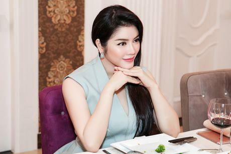 Ly Nha Ky gap ong trum truyen thong tai biet thu dat vang sieu sang - Anh 4