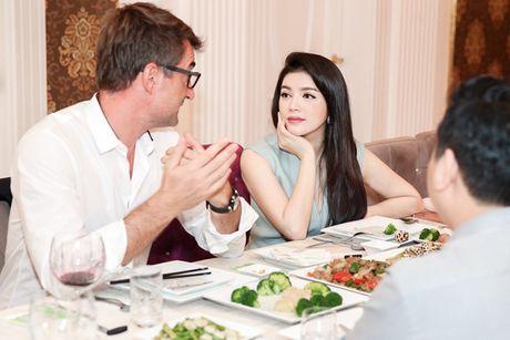 Ly Nha Ky gap ong trum truyen thong tai biet thu dat vang sieu sang - Anh 7