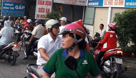 Vu benh nhan to bac si hiep dam: Phong kham hoat dong sai phep - Anh 1