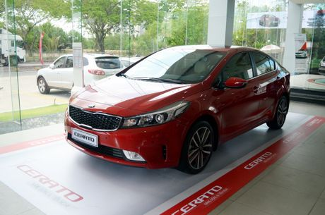 Hyundai Elantra va Kia Cerato: Cuoc dua giua nhung 'ke bam duoi' - Anh 7