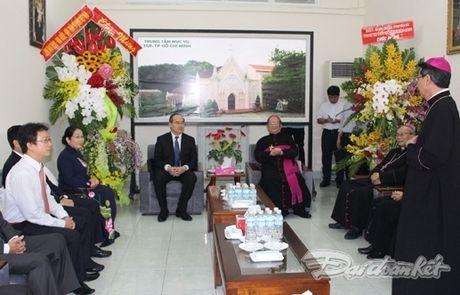 BAN TIN MAT TRAN: Chu tich Nguyen Thien Nhan chuc mung Hoi dong Giam muc VN - Anh 1