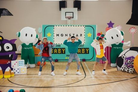 Monstar chi fan cach selfie trong '#BabyBaby' phien ban 2.0 - Anh 5