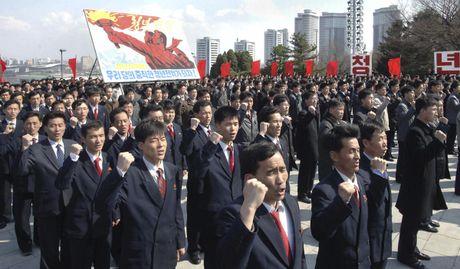 Han Quoc: 2 nha ngoai giao Trieu Tien xin ti nan o Nhat - Anh 1