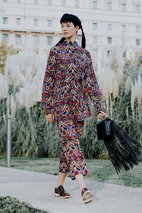 Street style ca tinh cua chan dai Viet o Milan - Anh 5