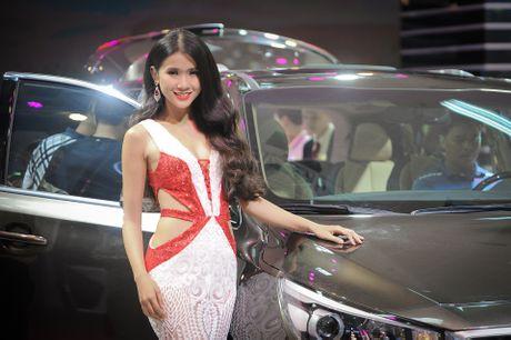 Dan chan dai tai Vietnam Motor Show 2016 - Anh 4