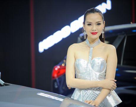 Dan chan dai tai Vietnam Motor Show 2016 - Anh 9