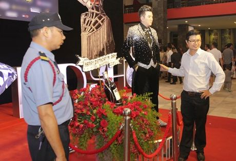 Ca si Dam Vinh Hung gay sot voi 'tuong sap Mr Dam' - Anh 6