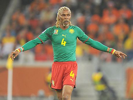 Huyen thoai Cameroon qua con nguy kich - Anh 1