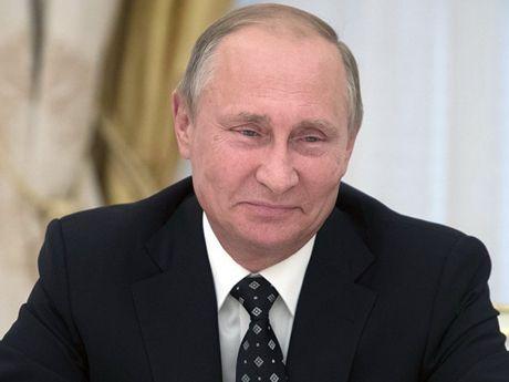 Tong thong Putin 'ganh ti' voi cac nha giao - Anh 1