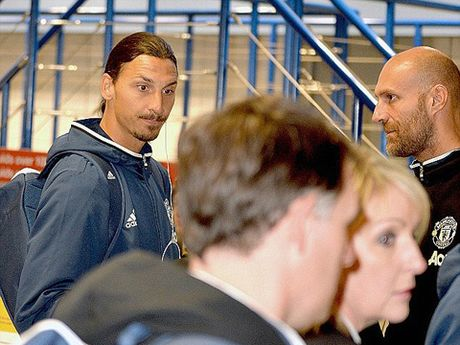 Lo dien 'vu khi bi mat' cua Zlatan Ibrahimovic - Anh 1