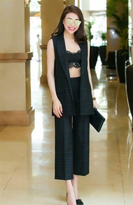 Lily Nguyen 'ru' dan nguoi dep chi dien ao noi y di su kien - Anh 8