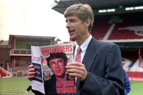 Doi hinh da tran dau tien cua Arsene Wenger o Arsenal gio ra sao? - Anh 1