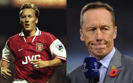 Doi hinh da tran dau tien cua Arsene Wenger o Arsenal gio ra sao? - Anh 3