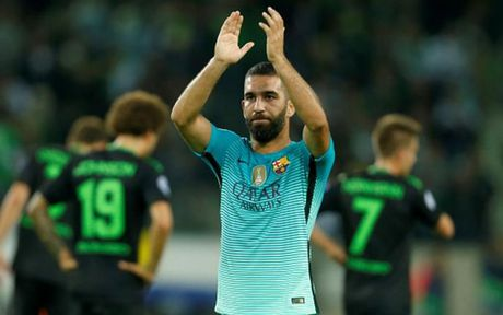 Top 10 cau thu huong luong cao nhat Barca: Messi va phan con lai - Anh 2