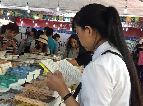 Hoi sach Ha Noi 2016 thuc day hoi nhap quoc te trong linh vuc xuat ban - Anh 2