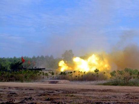 Mat dat rung chuyen truoc don yem tro Su-30MK2 Viet Nam - Anh 2