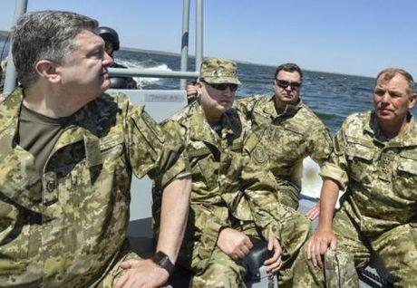 Ukraine tang chi tieu quoc phong, chuan bi tinh huong xau - Anh 1