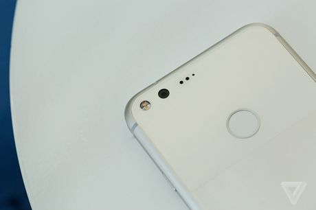 Ngam chi tiet Google Pixel va Pixel XL moi - Anh 7