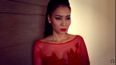Thu Minh lanh lung trong MV 'chuyen tinh 3 nguoi' - Anh 4