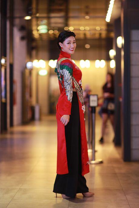 Maya xinh dep rang ngoi ra mat bo phim 'tro ve showbiz' - Anh 3