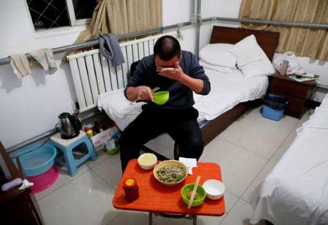 Ben trong 'khach san ung thu' o Trung Quoc - Anh 8