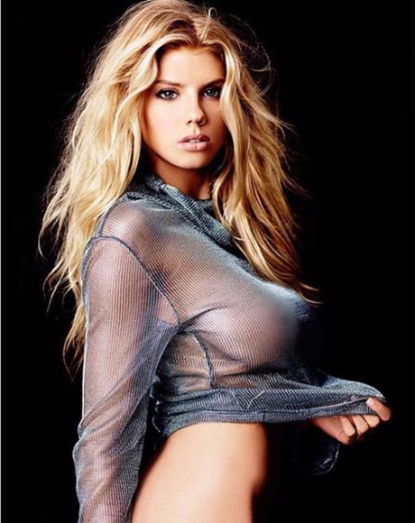 Charlotte McKinney - fan nu Chelsea tung anh nong, 'dot mat' nguoi xem - Anh 6