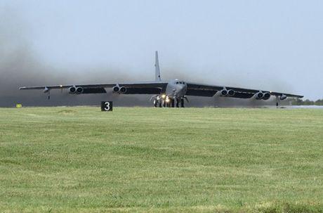Chiem nguong may bay nem bom B-52H 'moi nhat' cua My - Anh 2
