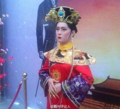 Tuong sap cua Ton Le qua xau khien fan soc nang - Anh 2