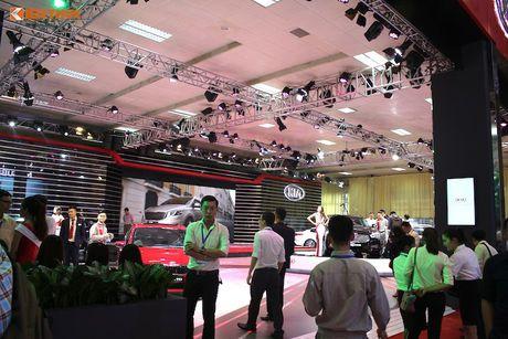 'Doi quan' Kia sedan 4 cua hut khach tai VMS 2016 - Anh 8