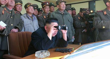 Kim Jong Un hung don giang choang vang - Anh 1
