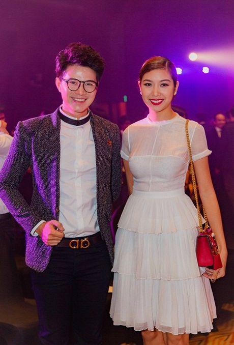 """MC Vu Manh Cuong """"chuan soai ca"""" di gap cac nguoi dep - Anh 2"""