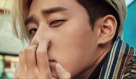 My nam Park Seo Joon cuc chat voi mai toc vang lang tu - Anh 1