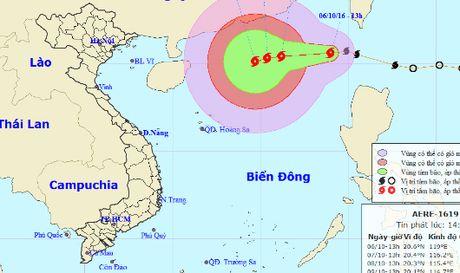 Bao manh do vao bien Dong, song to gio khong ngung tang cap - Anh 1
