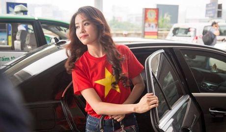 Nam Em dien ao co do sao vang len duong tham du Hoa hau Trai Dat - Anh 1