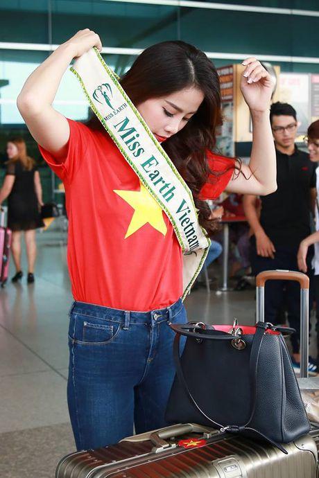 Nam Em dien ao co do sao vang len duong tham du Hoa hau Trai Dat - Anh 3