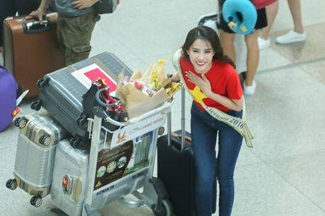 Nam Em dien ao co do sao vang len duong tham du Hoa hau Trai Dat - Anh 9