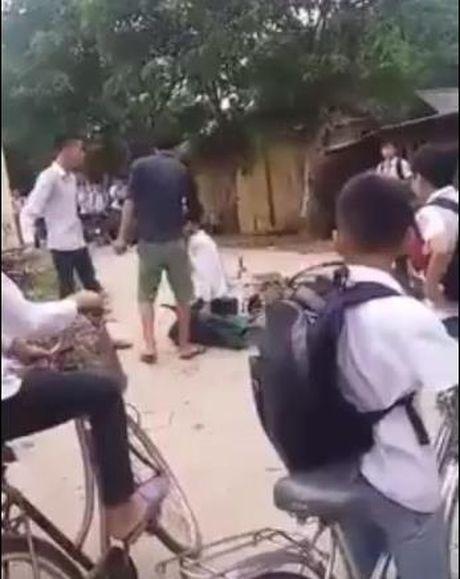 Vu hoc sinh tu tu tai Yen Bai: Giao vien phai chiu su trung phat cua toa an luong tam? - Anh 1