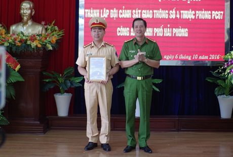 Hai Phong thanh lap Doi CSGT phu trach tuyen cang - Anh 2