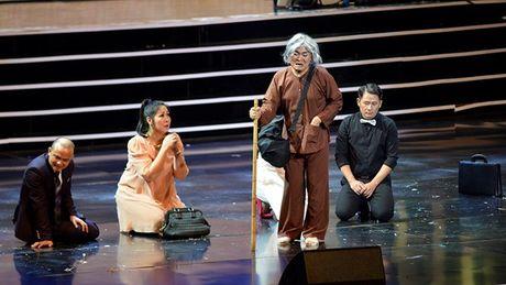 Xuan Hinh choc khan gia cuoi 'can hoi' trong liveshow 10 ti - Anh 12