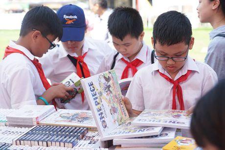 Hoi sach Ha Noi 2016: Ngay hoi ton vinh van hoa doc Thu do - Anh 2