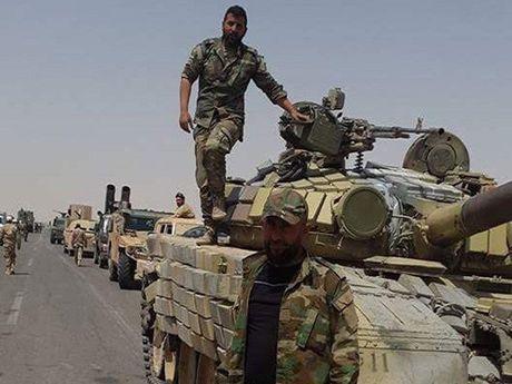 Syria tan cong thanh tri IS o Deir ez-Zor, hang chuc phien quan thiet mang - Anh 1