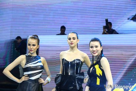 "Mau ""Tay"" tran ngap trien lam Vietnam Motor Show 2016 - Anh 10"