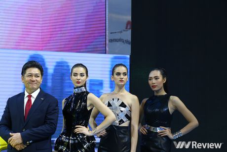 "Mau ""Tay"" tran ngap trien lam Vietnam Motor Show 2016 - Anh 11"