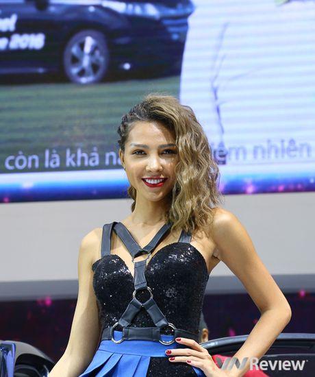 "Mau ""Tay"" tran ngap trien lam Vietnam Motor Show 2016 - Anh 18"