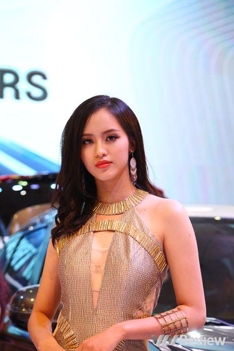"Mau ""Tay"" tran ngap trien lam Vietnam Motor Show 2016 - Anh 28"