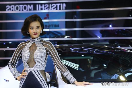 "Mau ""Tay"" tran ngap trien lam Vietnam Motor Show 2016 - Anh 30"