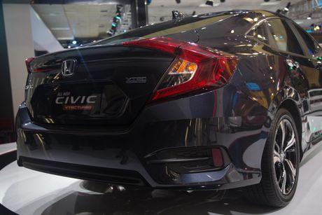 Lot top 'xe e', Honda moi chiu 'tung' Civic phien ban moi - Anh 3