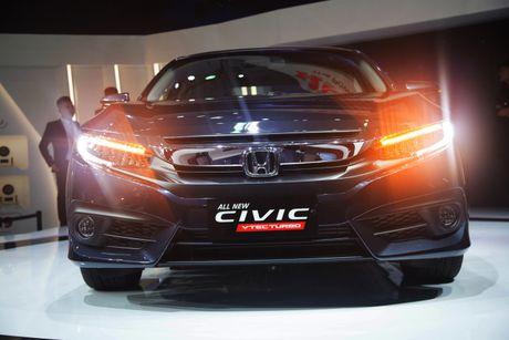 Lot top 'xe e', Honda moi chiu 'tung' Civic phien ban moi - Anh 4