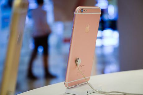 iPhone 6s giam gia hang trieu dong vi iPhone 7 - Anh 1