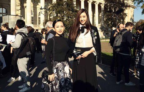 Fashionista Tram Nguyen duoc san don tai tuan le thoi trang Paris - Anh 6